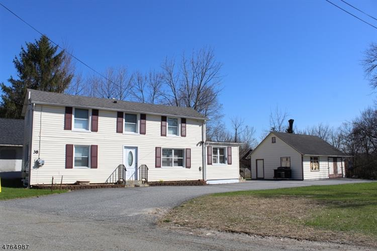 38 Evans St, Franklin, NJ 07416