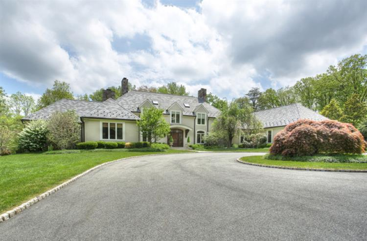 20 Country Dr, Harding Twp., NJ 07976