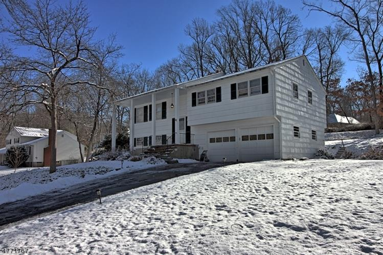 41 Forest Dr, Long Hill Twp, NJ 07980