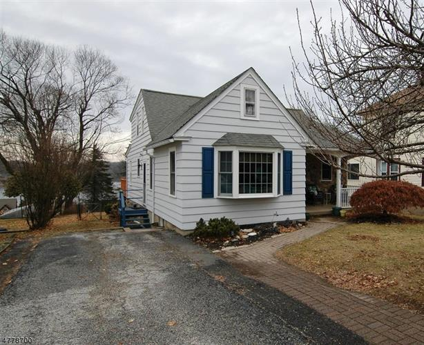 23 Kings Rd, Netcong, NJ 07857