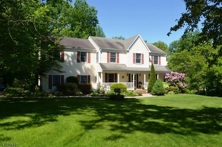 130 Birch Ln, Greenwich Township, NJ 08804