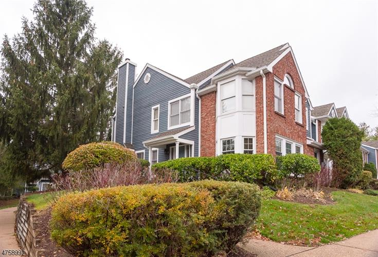 73 Laurelwood Ct, Rockaway Twp., NJ 07866