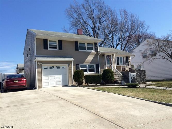 10 Ginda Ave, Carteret, NJ 07008