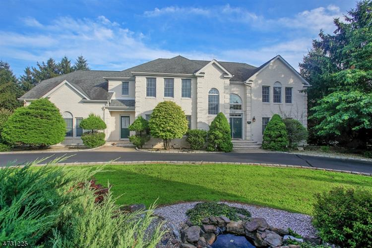 32 Davenport Way, Hillsborough, NJ 08844