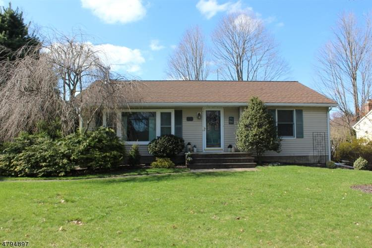 111 EYLAND AVE, Roxbury Twp, NJ 07876