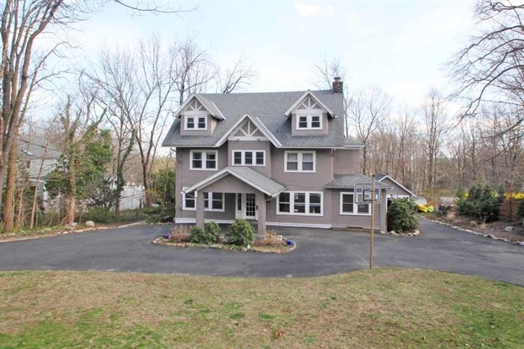 48 LAUREL HILL RD, Mountain Lakes, NJ 07046