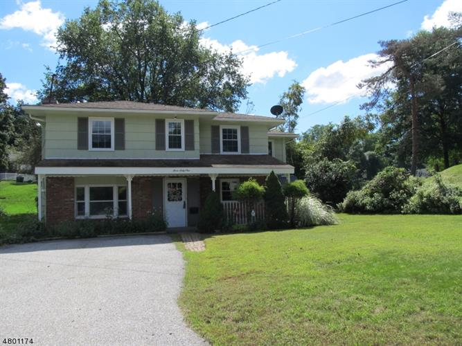 361 W Shore Trl, Sparta, NJ 07871