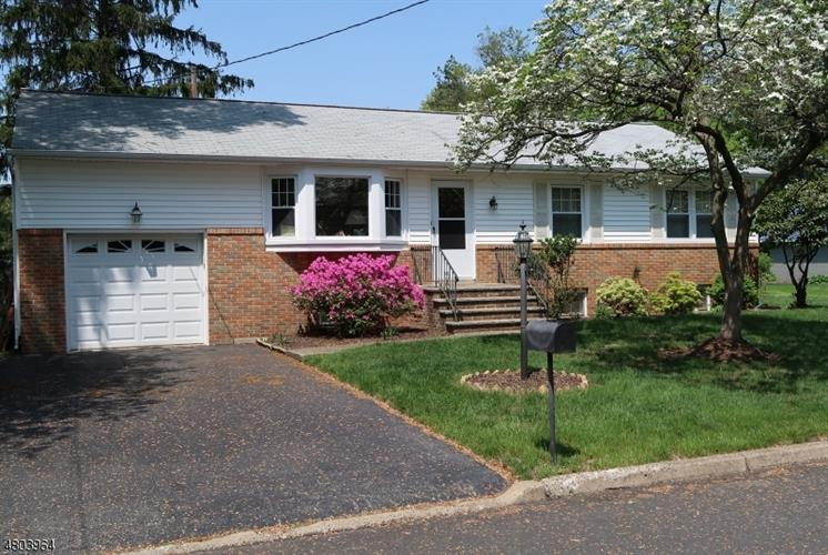 24 James St, Wayne, NJ 07470