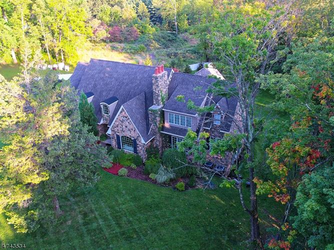25 Cold Hill Rd, Mendham, NJ 07960