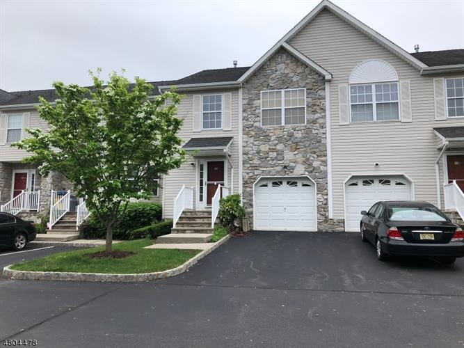20 Edith Dr, Franklin Twp, NJ 08873