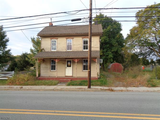 540 N Main St, Greenwich Township, NJ 08886