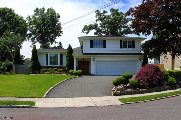 64 GOLF OVAL, Springfield, NJ 07081