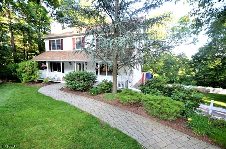51 PADEREWSKI RD, Jefferson Township, NJ 07438