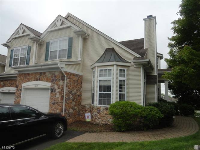 1065 SHADOWLAWN DR, Green Brook, NJ 08812