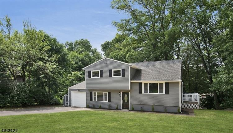 24 YOUNG DR, Stanhope, NJ 07874
