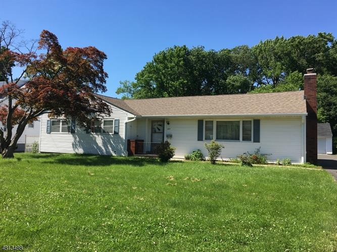 227 W MAPLE AVE, Bound Brook, NJ 08805