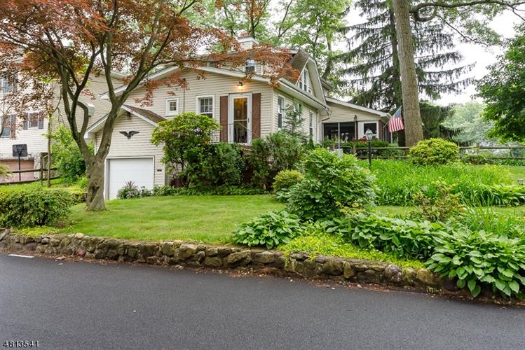 14 UPPER RAINBOW TRL, Parsippany-Troy Hills Twp., NJ 07834