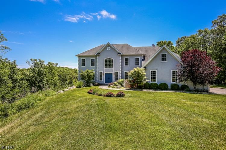 29 CROWNVIEW CT, Sparta, NJ 07871
