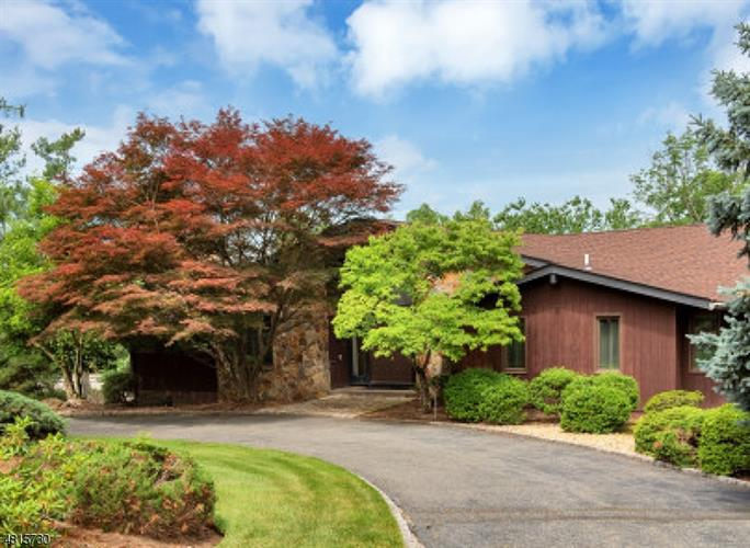 4 NOTCH HILL DR, Livingston, NJ 07039 - Image 1