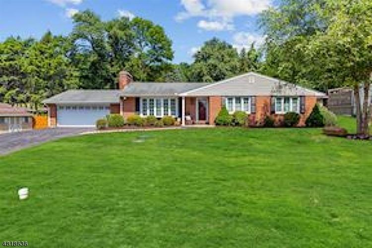 11 EDGEMERE TER, Washington Twp., NJ 07882