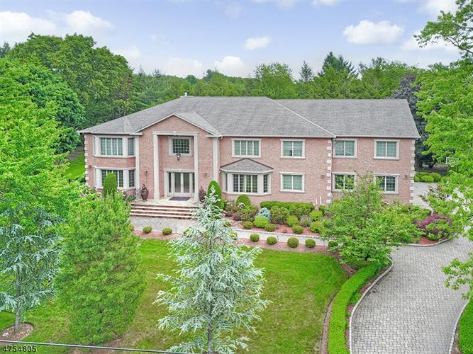 916 MARIE CT, Franklin Lakes, NJ 07417