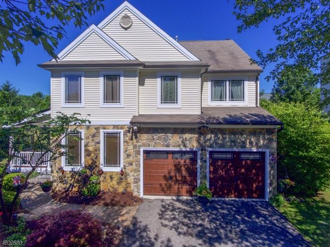 26 VILLAGE SQ DR, Union Township, NJ 08802