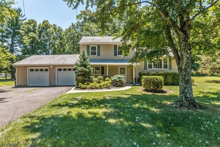 49 WOODLAWN AVE, Bridgewater, NJ 08807