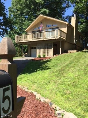 5 DEER RUN DR, High Bridge, NJ 08829