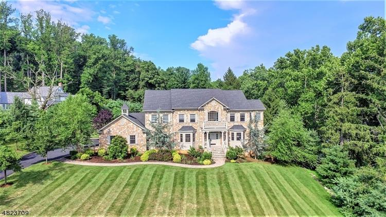 78 CENTURY LN, Watchung, NJ 07069