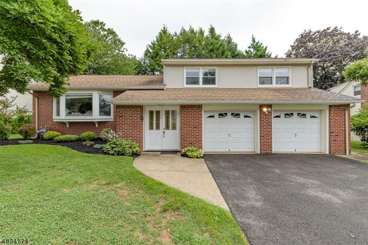 54 COUNTRY CLUB LN, Springfield, NJ 07081