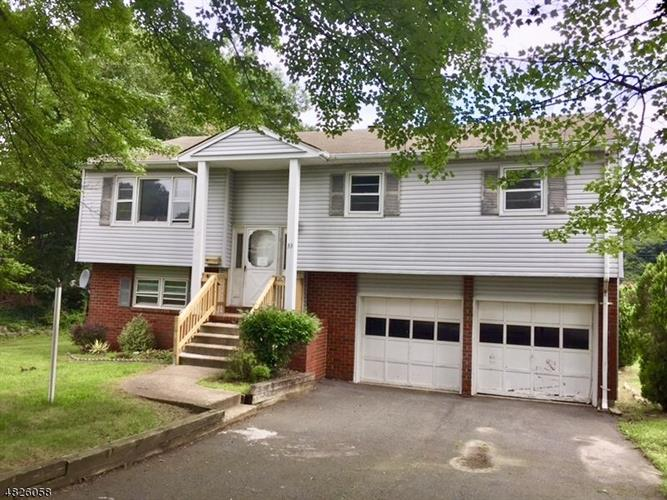 33 CIRCLE DR, Rockaway Twp., NJ 07866