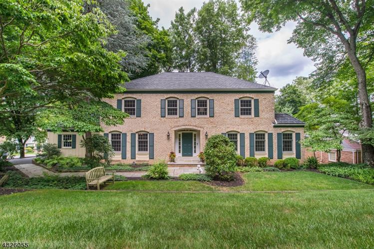 80 LISA DR, Chatham Twp., NJ 07928