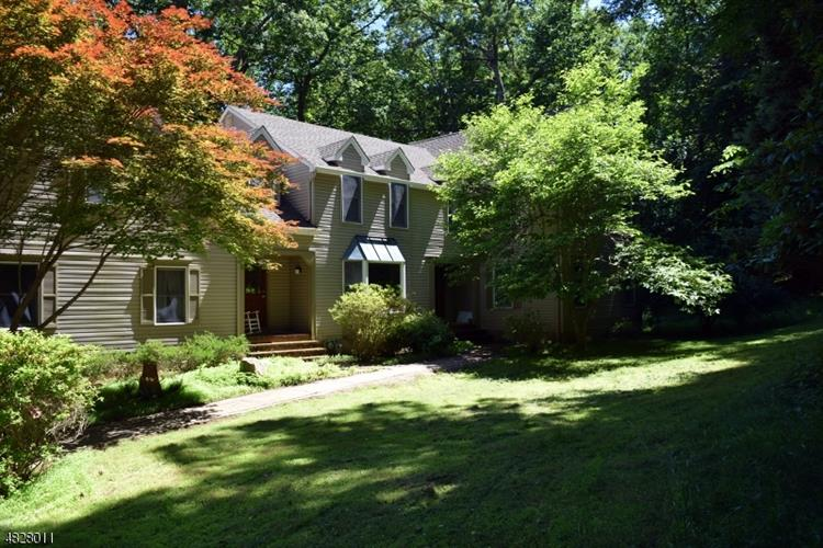 31 WARREN CUTTING, Chester, NJ 07930 - Image 1