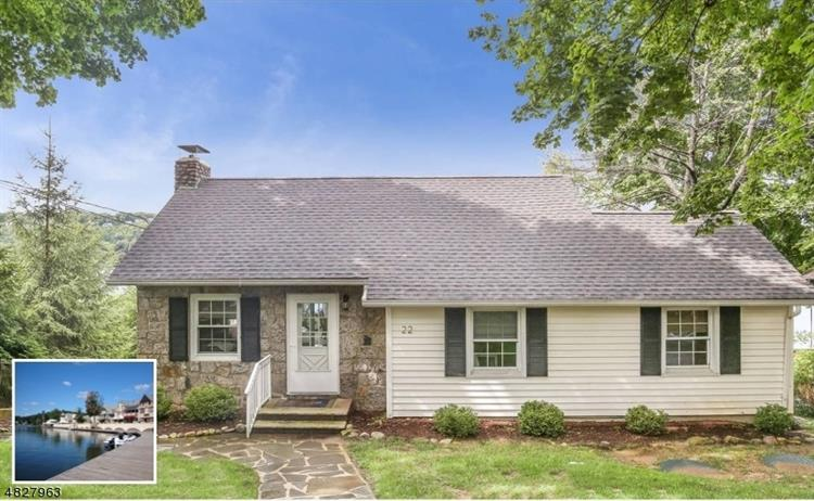 22 MAPLE PKY, Sparta, NJ 07871
