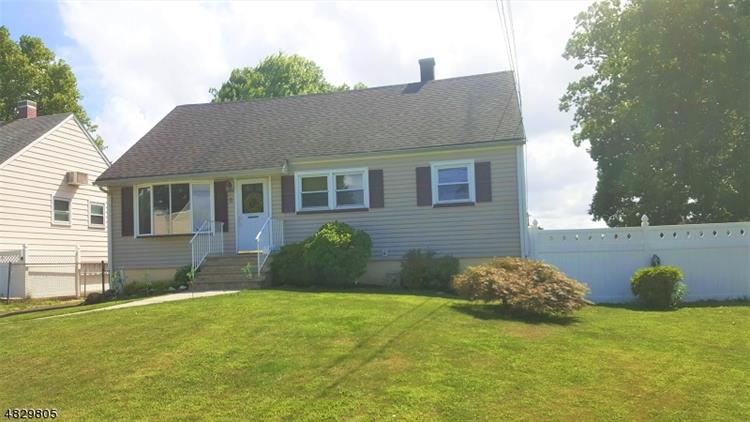 8 BAKER ST, Iselin, NJ 08830