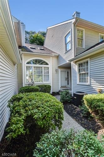 12 CHRISTOPHER CT, Lincoln Park, NJ 07035