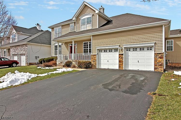 5 JOCKEY LN, Raritan Township, NJ 08822