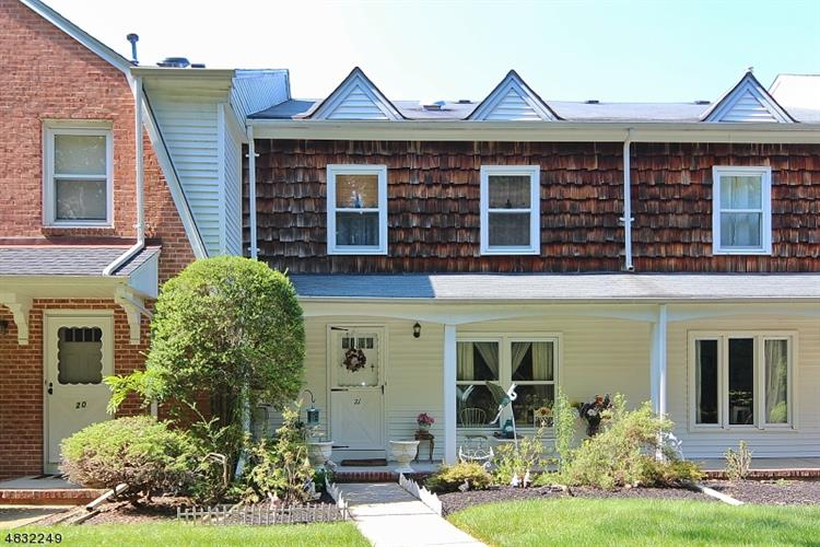 21 MADDAKET VLG, Scotch Plains, NJ 07076