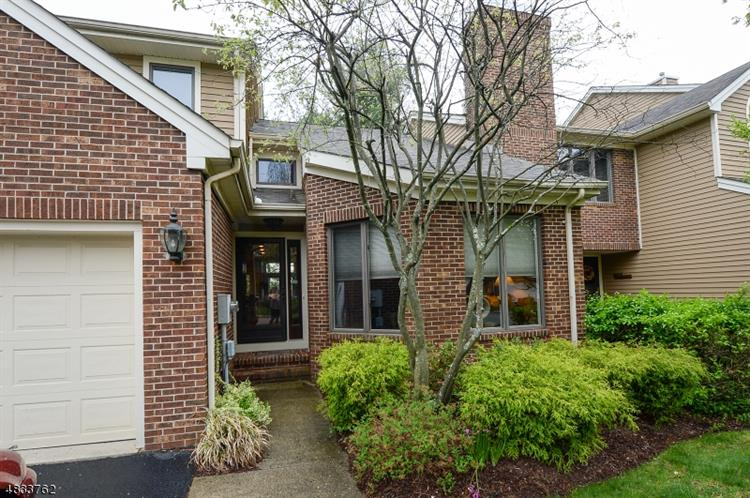 34 LENOX CT, Montville Township, NJ 07045
