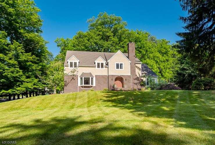 2 HARMONY LANE, Mendham, NJ 07945