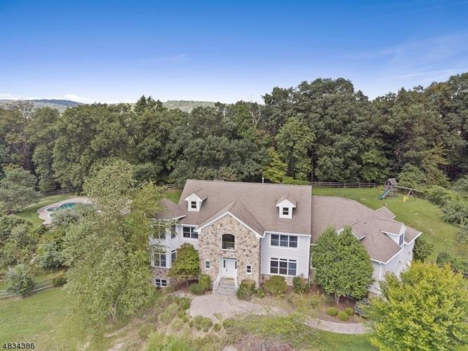 3 INDIAN LN, Tewksbury Township, NJ 07830