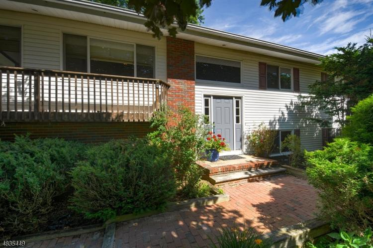 10 SUMMIT DR, Frankford, NJ 07826 - Image 1