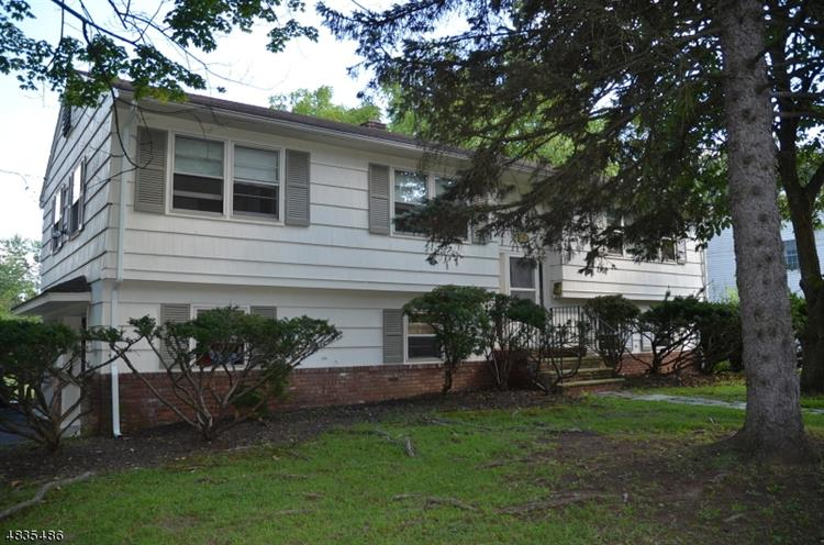 2 HASTINGS RD, Parsippany-Troy Hills Twp., NJ 07950