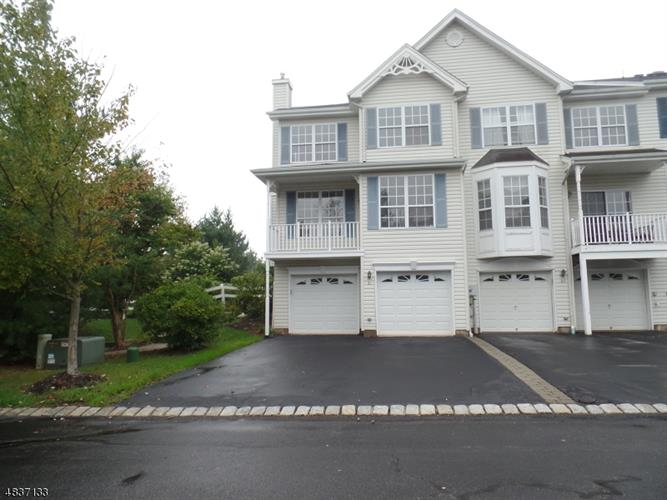21 HADDENFORD DR, Raritan Township, NJ 08822