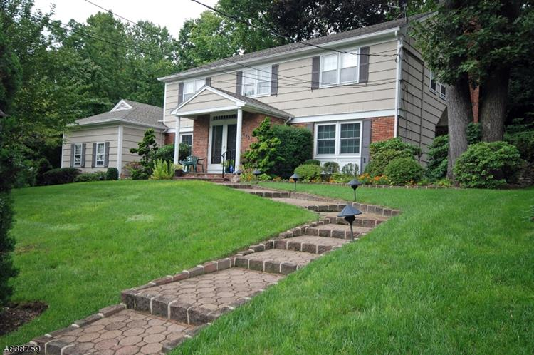 990 CHIMNEY RIDGE DR, Springfield, NJ 07081