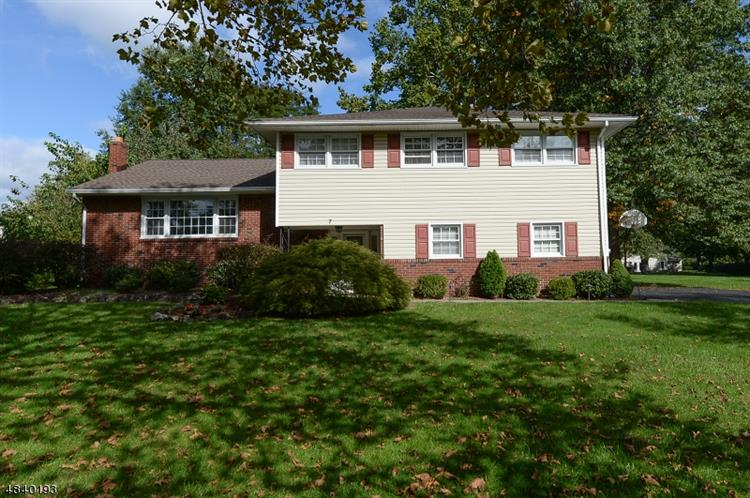 7 RINGWOOD DR, Parsippany-Troy Hills Twp., NJ 07054