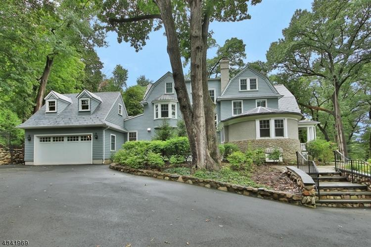 65 HATHAWAY LN, Essex Fells, NJ 07021