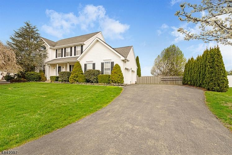 419 DANIEL DR, Greenwich Township, NJ 08886
