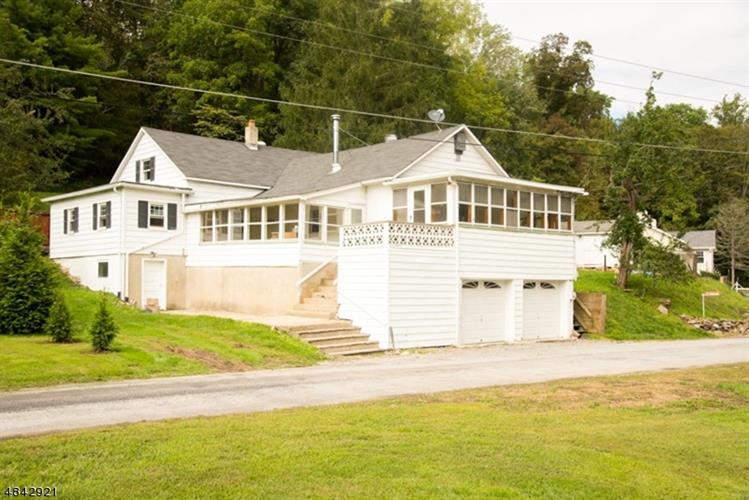 917 WALL ST, Stillwater, NJ 07860 - Image 1