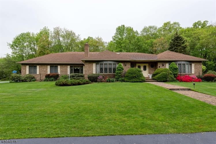 9 YARDLEY RD, Mendham Twp, NJ 07945